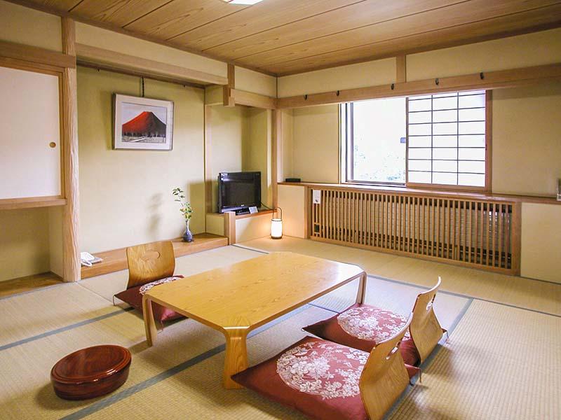 客室和室10畳デラックスタイプ