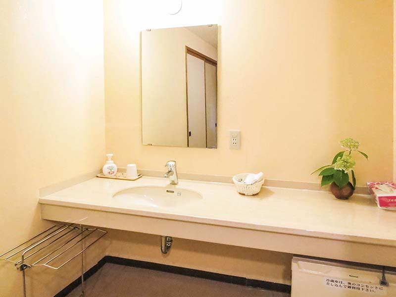 和室8畳の洗面カウンター