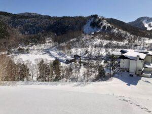 山からの木戸池と木戸池ホテル